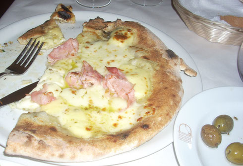 2011 Pizza in Giardini Naxos, Sicily is direct from the Brick Oven, of Course