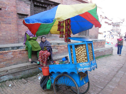 2013 A Cart selling snacks near the Temple Complex in Bhaktapur