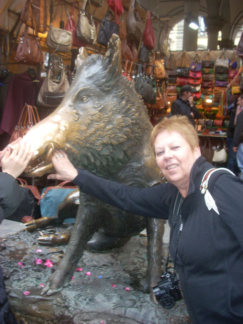 2012 Make a Wish in the Boar's Mouth at Firenze's Straw Market -He Bites if you Lie