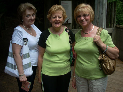 2011 Do You Think These Three Left Time to Check out the Gift Shops?