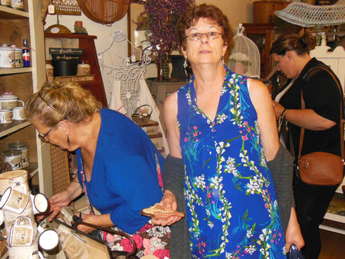 Chef Allan's Cafe had Fun Gift Items, Primitives, Gourmet Snacks, and Jewelry