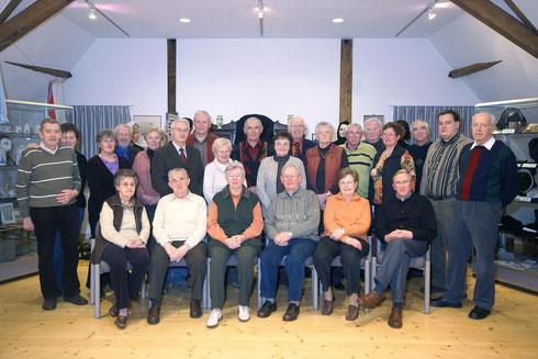 Die aktiven Mitarbeiterinnen und Mitarbeiter der Ausstellungsaufsicht im Haus Ringerbrüggen in Emlichheim anlässlich der Neujahrsvisite im Jahre 2007.
