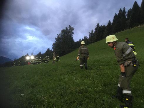 7. August, 20 Uhr: Beendigung des schwierigen technischen Einsatzes am Zladnig-Schild mit Fahrzeugbergung. Hoffentlich geht es den Verunfallten, Erika und Gerhard, bald besser.