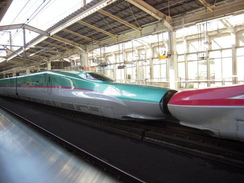 仙台駅 はやぶさとこまち