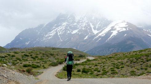 tiefhängende Wolken im Torres del Peine Nationalpark