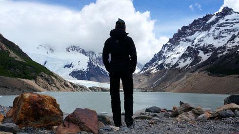 Laguna Torre. Auch wenn der Cerro Torre in den Wolken verschwunden bleibt, ein grandioses Bild.
