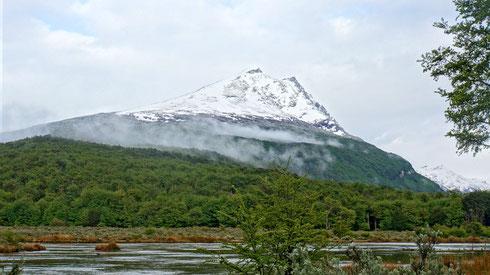 leider hält das schöne Wetter nicht lange und es kommt Regen auf. Aber wir sind ja schließlich in Patagonien.