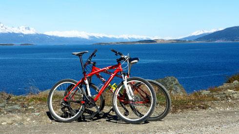 Wir leihen uns 2 Mountainbikes und machen einen Tagesausflug am Beaglekanal entlang.
