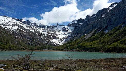 Die Laguna Emeralda, macht bei diesem Sonnenschein ihrem Namen alle Ehre.