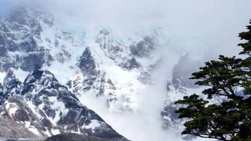 Schneesturm und Lawinenabgang am Campamento Italiano
