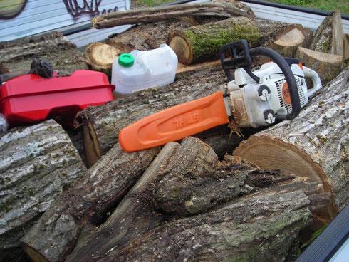 栗の木 軽トラ荷台