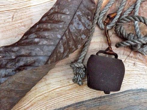 朴の葉っぱ カウベル