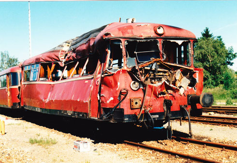 Pocking, 9. Juni 1994: Nach einem Unfall mit einem Schweinetransporter