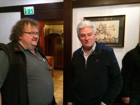 Nach der Mittagspause: Bernd und Arthur beim Fachsimpeln