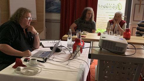 Bernd erklärt die Neuerungen bei der Erfassung von Magnetartikeln im Gleisbildeditor