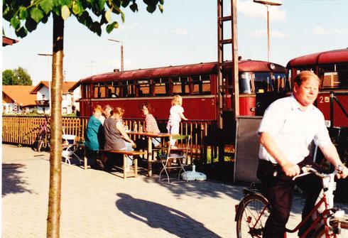 25. Mai 94 (ca. 18:40 Uhr): Bahnhofsatmosphäre in Pfarrkirchen