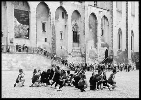 Arts et culture. Flashmob. Danse. Jazz. Chateauneuf du pape