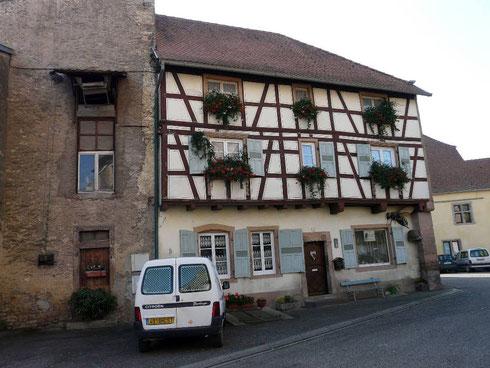 Maison à colombages proche de l'église