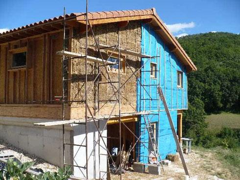 La Construction LIsolation  Petites Bottes De Paille Et De Foin