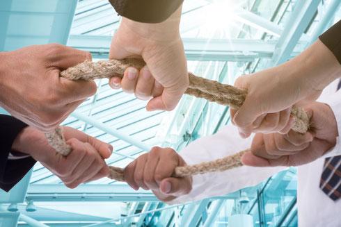 自社の知的資産から経営理念・経営方針・行動指針を策定するイメージ