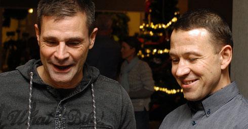 Der Herausforderer Robert und der Tittelverteidiger Bernd in einem freundschaftlichem Gespräch