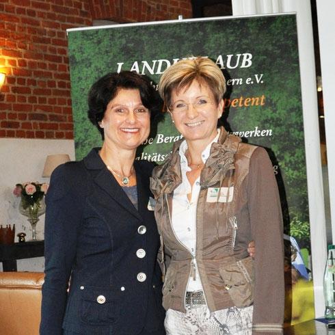 Ina Bärschneider und Cornelia Hass bei der Verbandstagung 2016 auf Usedom