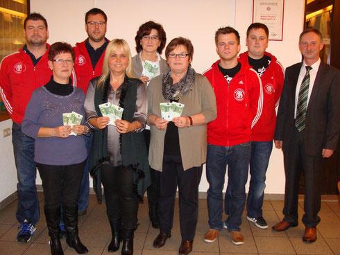 Spendenübergabe an die vier Kindergärten der Gemeinde Mühlhausen im Beisein von Herrn Bürgermeister Dr. Martin Hundsdorfer.
