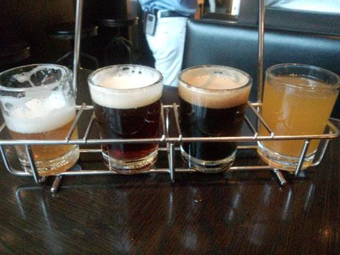 利きビールセット。左からペールエール、アンバーエール、インペリアルスタウト、マンゴーエール