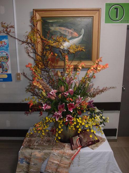 西ノ島福祉会職員作の生け花