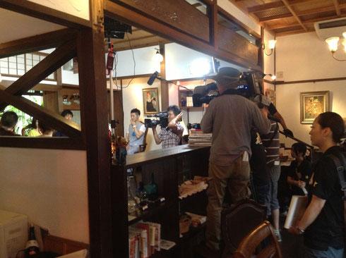 cafe' de 紅緒での収録風景