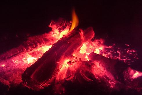 Jeden Abend brennt unser Feuerchen