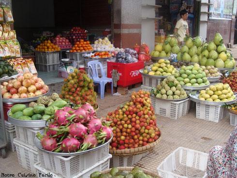 Etal de fruits à Hô-Chi-Minh Ville