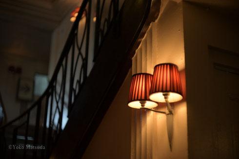 ドアノブの光の写真