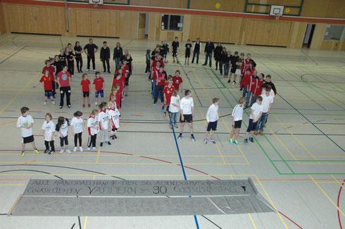 Über 150 Hände gratulieren Vaddern zum Geburtstag!