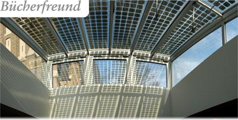 Büchereidach mit Solarzellen