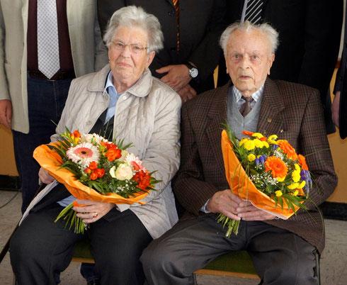 Hertha Zeichert (geb. 1926) und Franz Franke (geb, 1923) wurden als älteste Teilnehmer geehrt. (Zum Vergrößern anklicken)