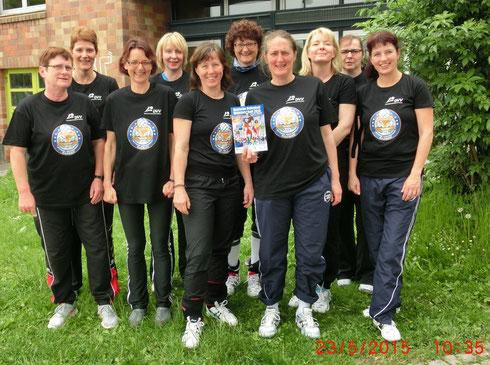 von links nach rechts: Martina H., Uta, Silvia, Katrin, Ulli, Martina B., Schilli, Anni, Anke, Sabine, es fehlt Brudi (Gummitierchen holen)