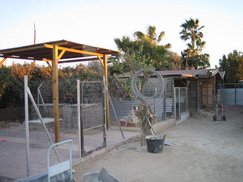 Noch im Bau: Außenbereich für die Quarantäne Hunde