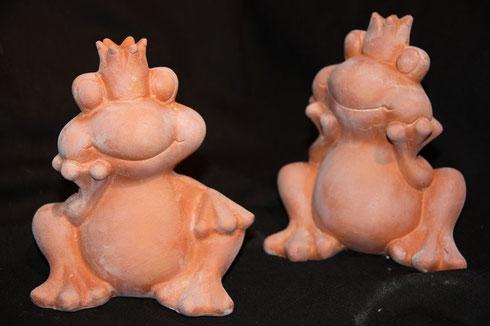 Terracotta Froschkönige für den Garten bei Shopping for Animals