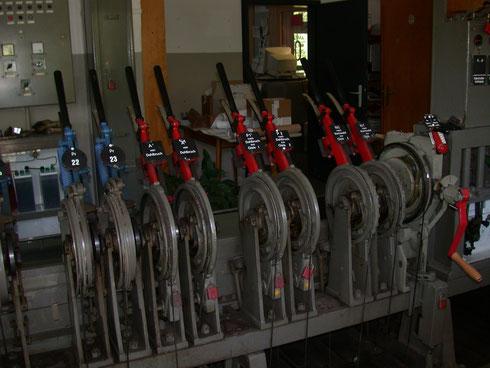 Stellwerks-Technik im Bahnhof Hilchenbach, 2005
