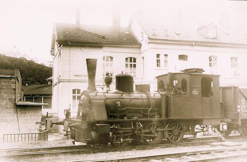 Lok der Hüttenwerke Siegerland im Bahnhof Attendorn