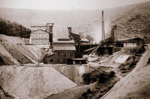 Eiaserfeld 1900: Grube Brüderbund, stillgelegt am 15.06.1958