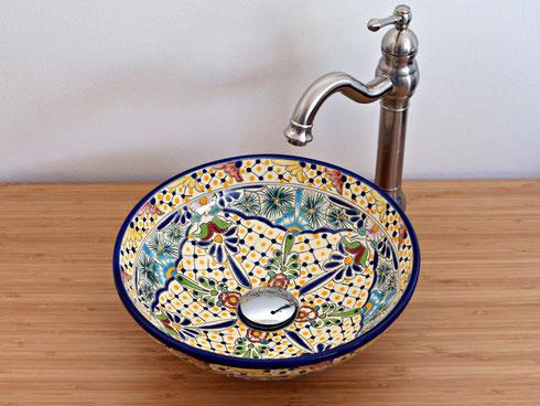 Kleines Gäste-WC Waschbecken handbemalt