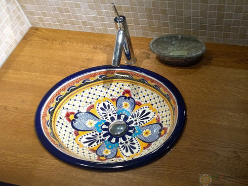 mexikanisches waschbecken aus Keramik
