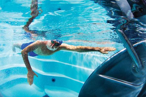 Swim Spa  im neuen Showroom-Aussenbereich in Aarberg (Bern/Schweiz) - SwimSpa immer zuerst testen dann kaufen
