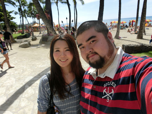 憧れのワイキキビーチで記念写真
