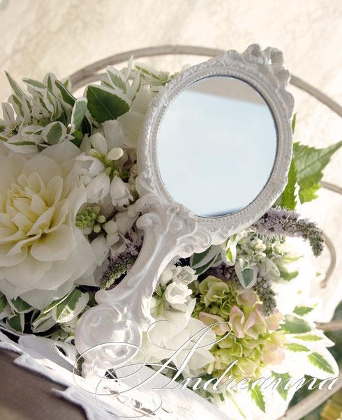 Зеркальце  для фотосессии, винтажная камея, в любом цвете, с любым декором. Стоимость 300грн (38 долларов).