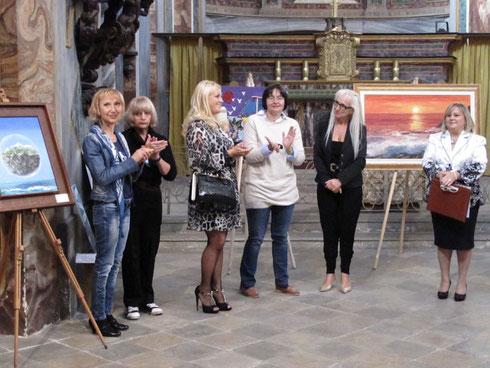 (Al centro: l'assessore M. Muzzolini, Lilita Conrieri, il sindaco Edi Gianotti - foto di Cesare Dellafiore)