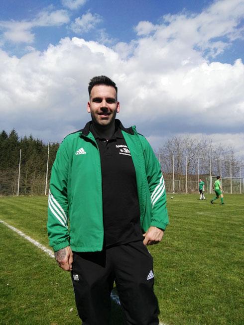 Schiedsrichter : Manuel Ruths