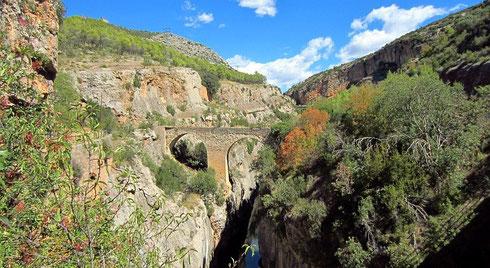 Die »Puente de la sierra«, die (mit Kfz ebenfalls nicht befahrbare) »Gebirgsbrücke« (2012)